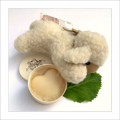 DUO adorabil: oiță din lână + săpun inimioară