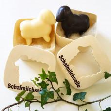 Duo cremos: oiță albă + oiță neagră în cutii din lemn