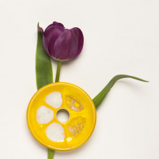 Savonieră galbenă din ceramică