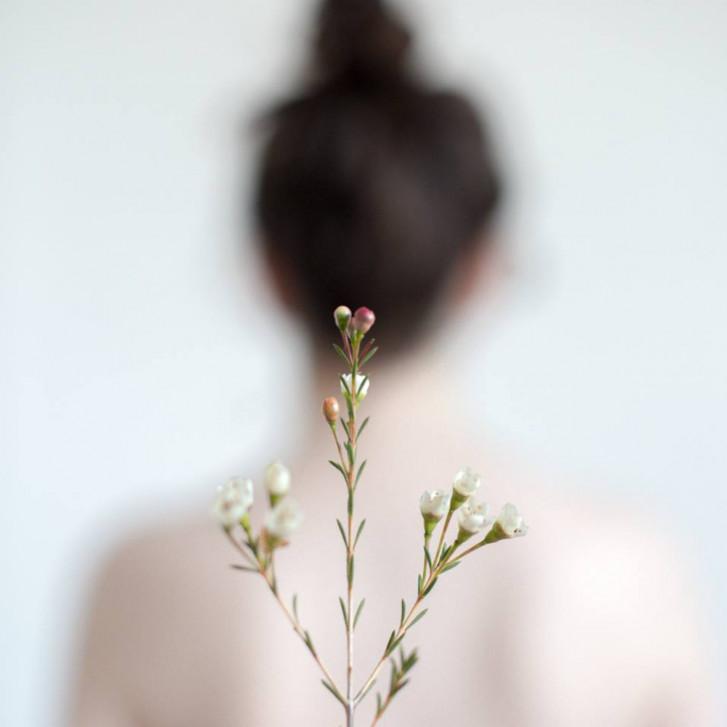 Găsește fericirea. Îngrijește-ți trupul și echilibrează mintea cu esențe de primăvară.