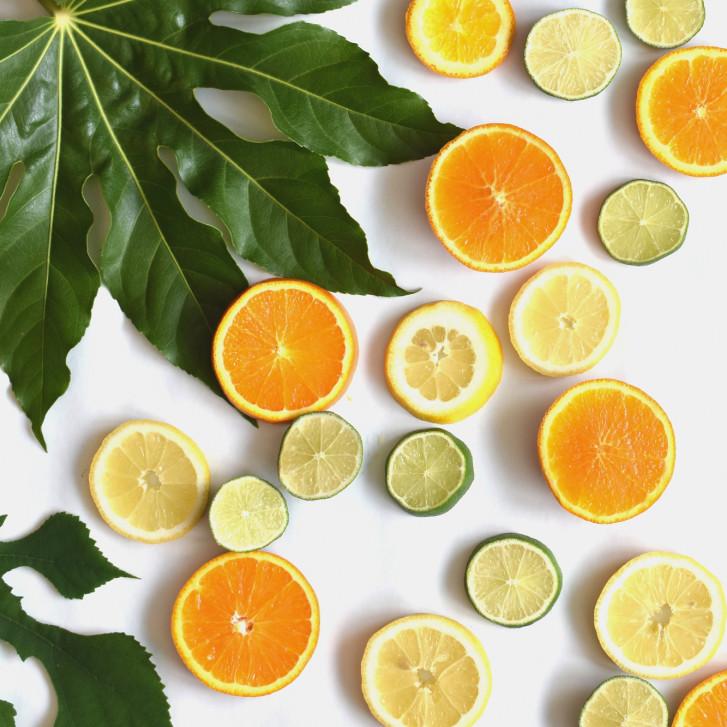 Hidratarea și vitaminizarea cu citrice acționează din cap până-n picioare!