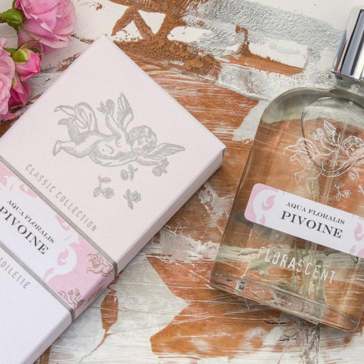Descoperă flower power – literalmente, puterea parfumurilor florale