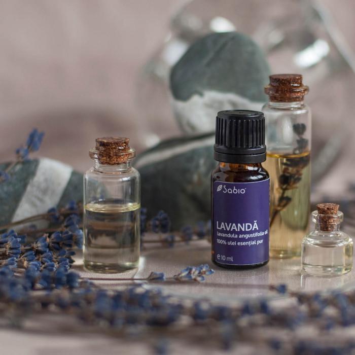 Uleiurile esențiale sunt atât de esențiale încât unul dintre ele se găsește în 90% dintre toate formulele de parfum?
