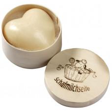 Săpun cremos cu lapte de oaie - inimioară - în cutie din lemn