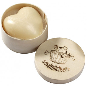 Săpun cremos cu lapte de oaie - inimioară - în cutie cadou